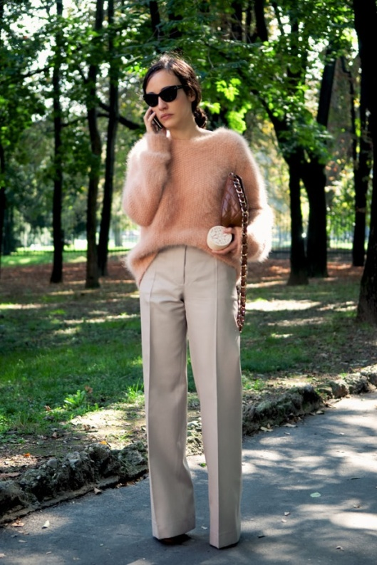 CITIZEN-COUTURE-STREET-STYLE-ANGORA-FUZZY-SWEATER-PEACH-PINK-PALE-FASHION-WEEK-1