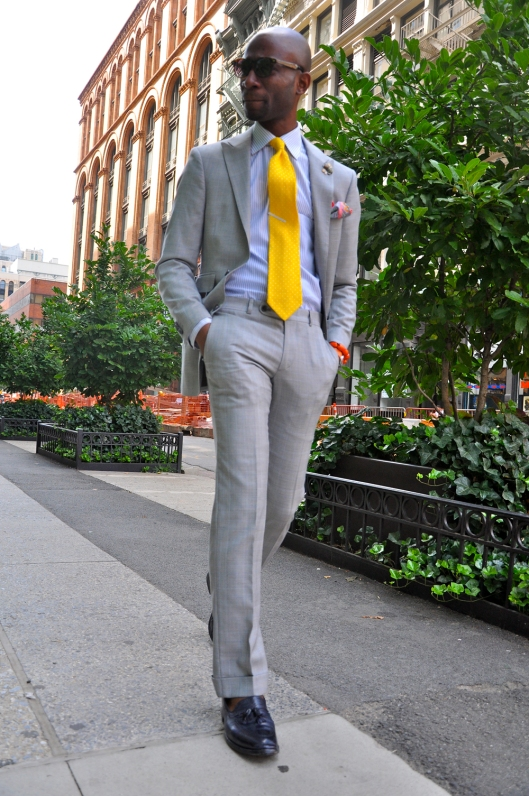 yellow-tie-grey-suit-navy-tassel-shoes-leather-men-fashion