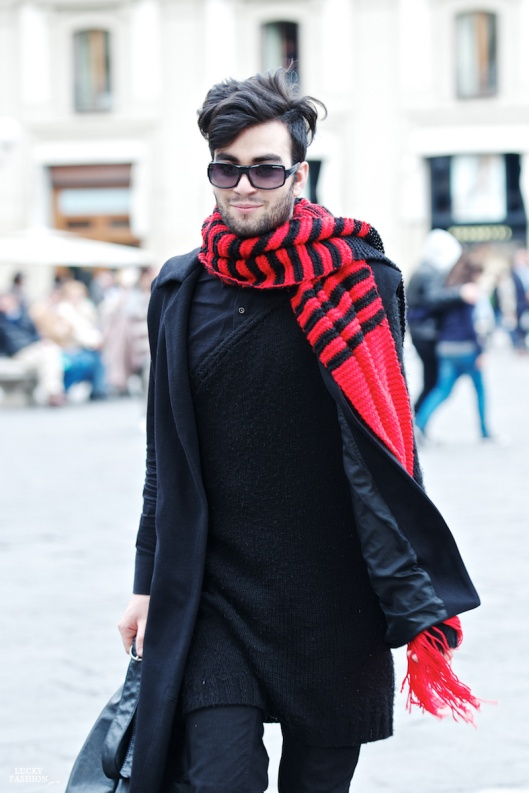 florece_style_street_michele_michelsanti_men_black_and_red_scarf