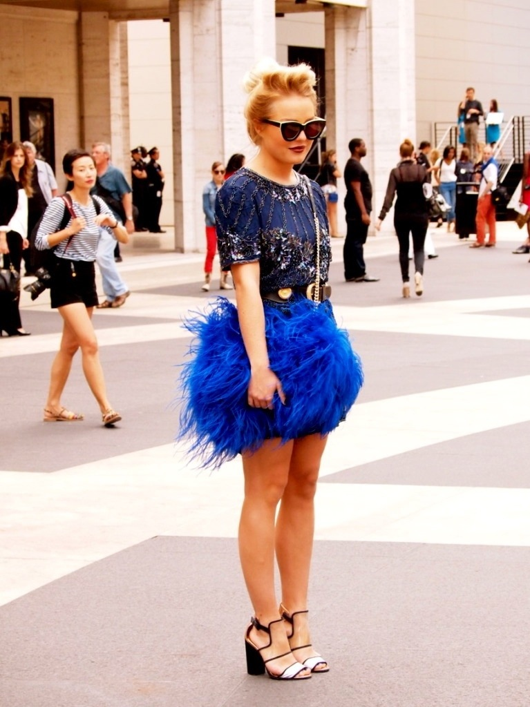 feathers, skirt, blue, street style, trend