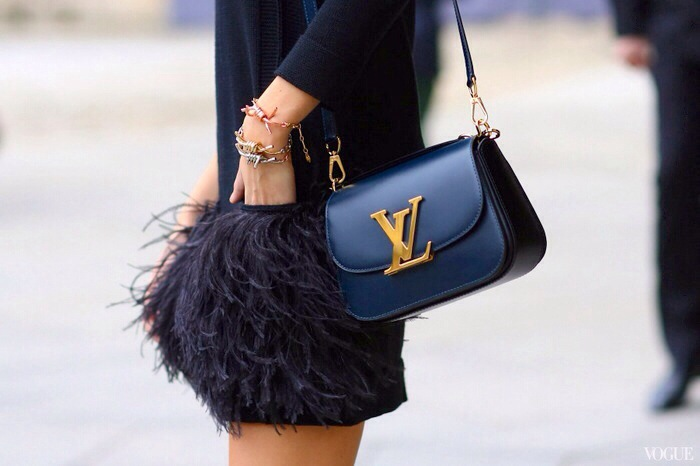 feathers, skirt, black, street style