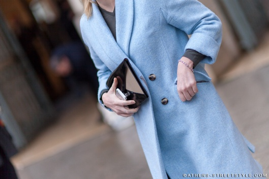3192-Athens-Streetstyle-Woman-Blue-Coat-Celine-Clutch-Paris-Fashion-Week-Fall-Winter-2014-2015-Street-Style