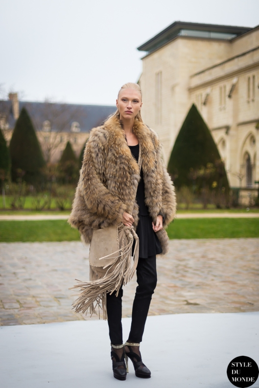 Yulia-Lobova-by-STYLEDUMONDE-Street-Style-Fashion-Blog_MG_9690