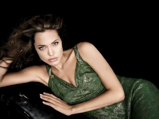 Angelina-Jolie-38