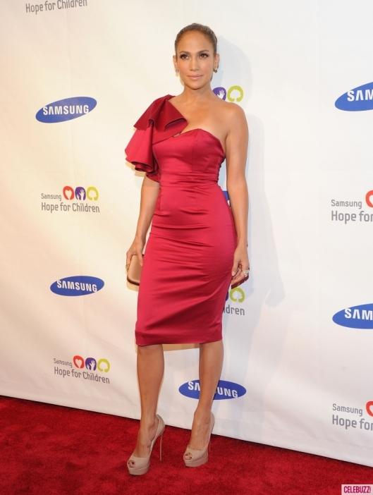 Jennifer-Lopez-Attends-the-Samsung-Hope-for-Children-Gala-11-771x1024