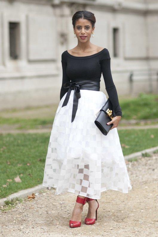 ever-place-wear-pretty-skirt-Paris