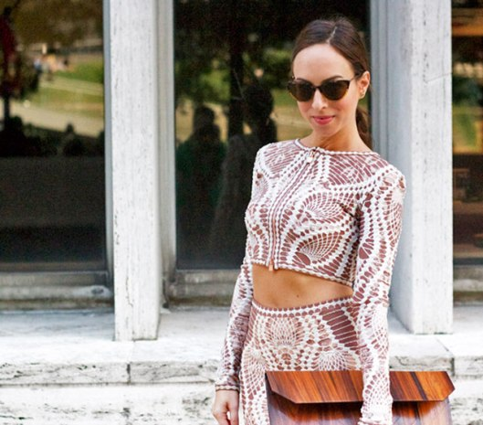 Sydne-Herve-Leger-crop-top-neutral-print-bare-midriff-trend-New-York-fashion-week-street-style-cat-eye-sunglasses