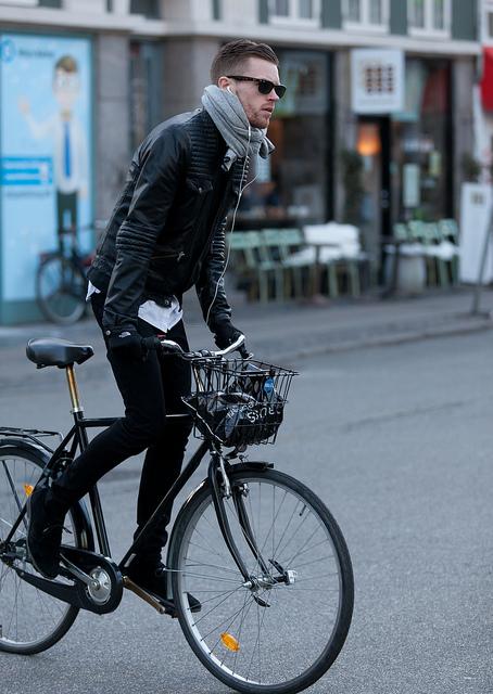 guys-on-bikes