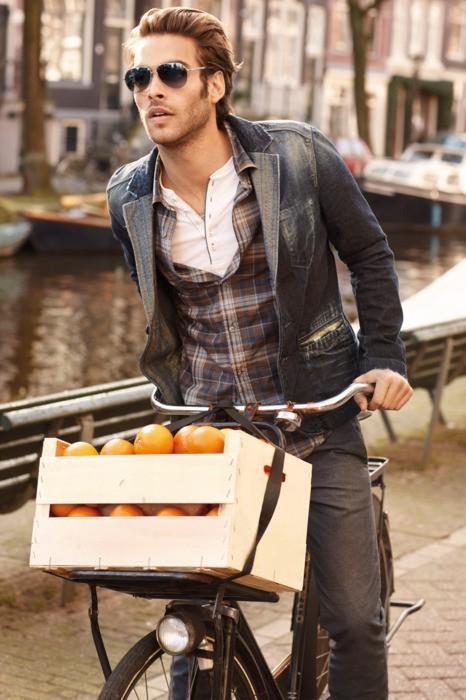 moda-hombre-no-todo-es-gris-bicycle-urban-15