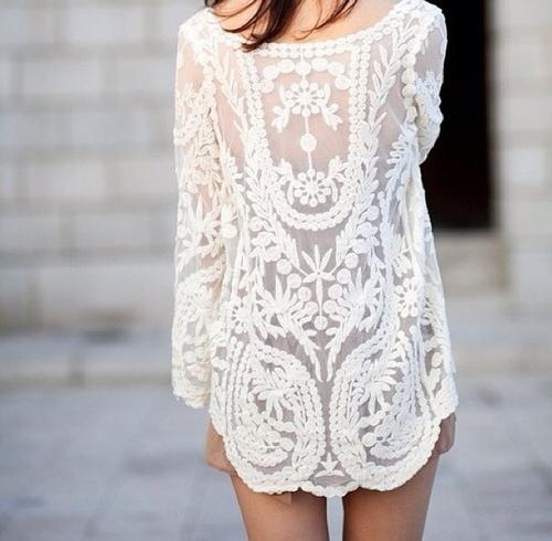 tumbln-lace-sheer-tunic-street-style