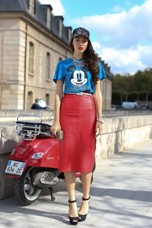 red_long_leather_skirt_street_style