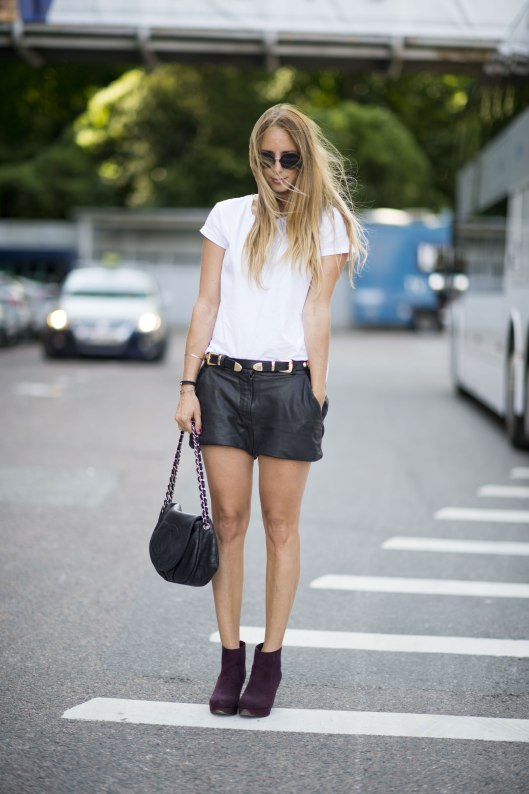 Leather-shorts-guarantee-nailing-street-chic-Fall-style